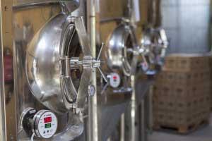 Instalación de cervecería Isobárica en Fonteta (Gerona)